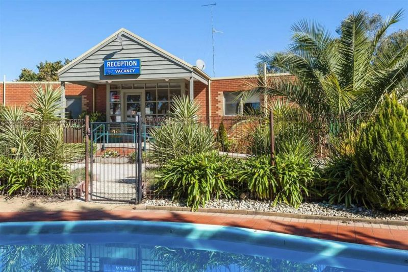 COMFORT INN COACH AND BUSHMANS - Tourism Canberra