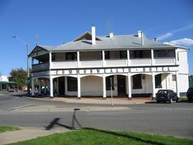 Commonwealth Hotel - Tourism Canberra