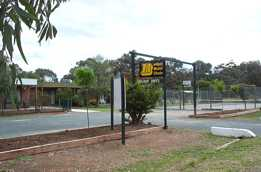 River Village Motel  Holiday Units - Tourism Canberra