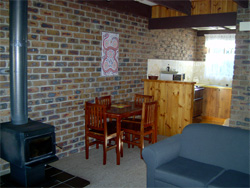 Warrawee Holiday Units - Tourism Canberra