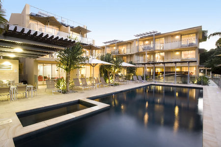 Maison Noosa Luxury Beachfront Resort - Tourism Canberra