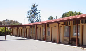 Golden Hills Motel - Tourism Canberra