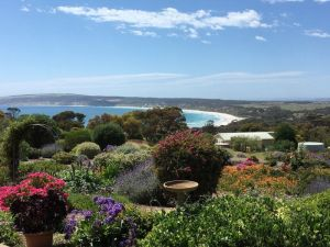 Emu Bay Holiday Homes - Tourism Canberra