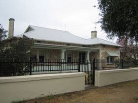 Naracoorte Cottages - MacDonnell House - Tourism Canberra