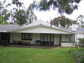 Naracoorte Cottages - Pinkerton Hill - Tourism Canberra