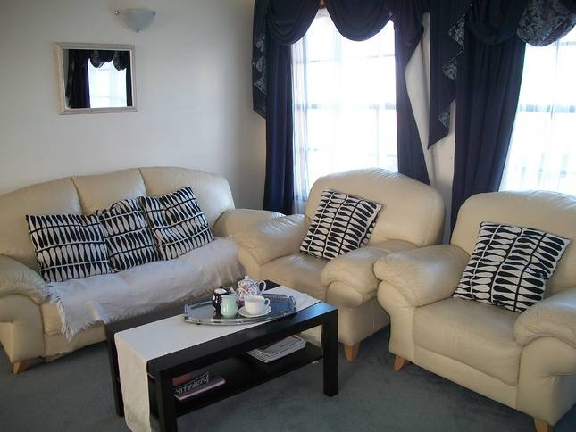 Beachside Apartment - Hove - Tourism Canberra