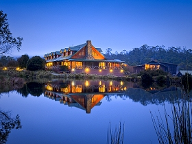 Peppers Cradle Mountain Lodge - Tourism Canberra