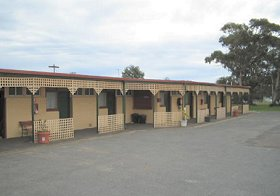 Central Court Motel - Tourism Canberra