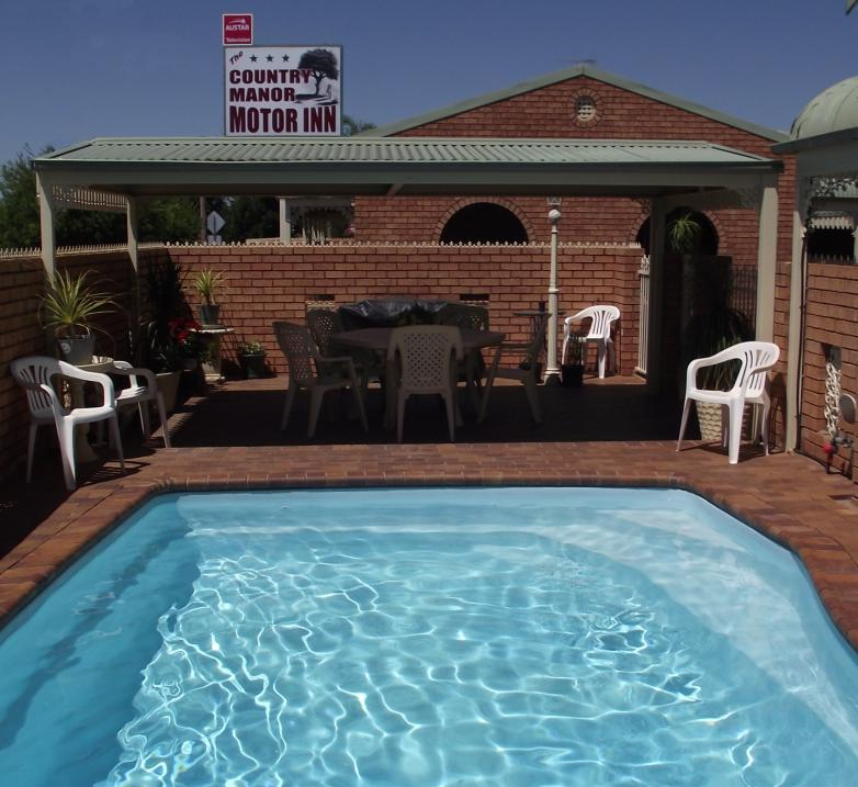 Country Manor Motor Inn - Tourism Canberra