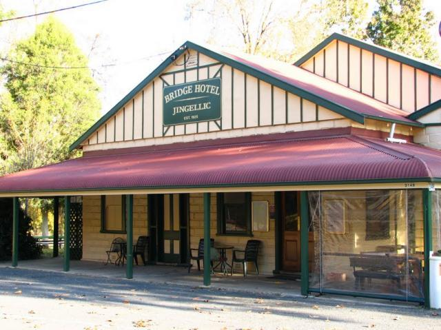 Bridge Hotel at Jingellic - Tourism Canberra