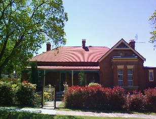 Tumut Accommodation Sefton House - Tourism Canberra