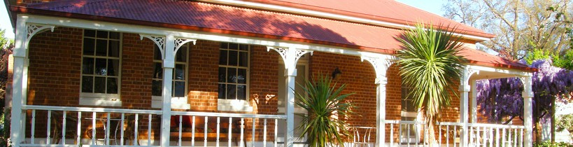 Araluen Old Courthouse Bed and Breakfast - Tourism Canberra