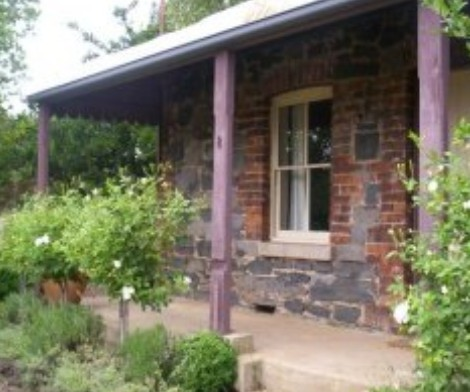 Accommodation Pinn Cottage - Tourism Canberra