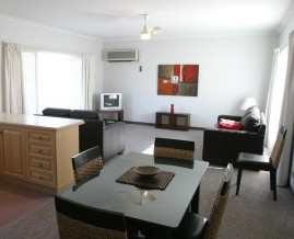 Barham Golden Rivers Holiday Apartments - Tourism Canberra