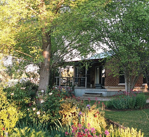 Amazing Country Escapes - Evanslea By The River - Tourism Canberra