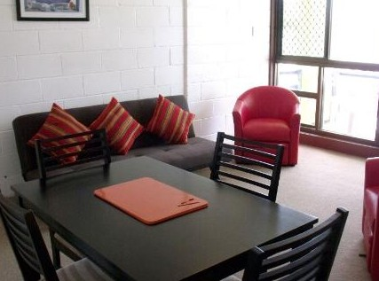 Como Holiday Apartments and Tropical Nites Motel - Tourism Canberra
