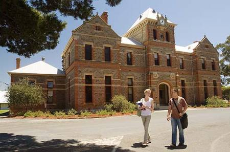 Roseworthy Residential College The University Of Adelaide - Tourism Canberra