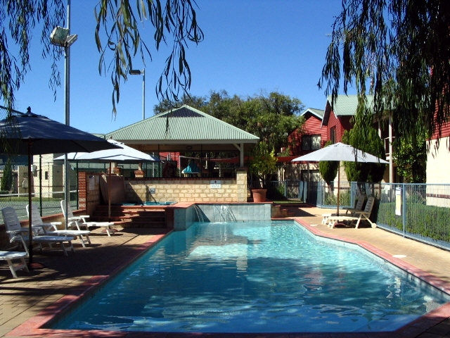 Amalfi Resort - Tourism Canberra