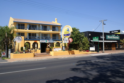Delfinos Bay Resort - Tourism Canberra