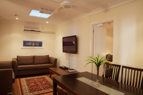 Manly Lodge Boutique Hotel - Tourism Canberra