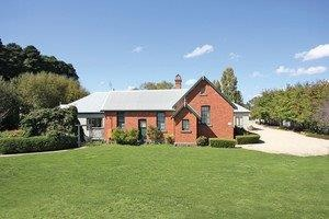 Woodend Old School House Bed and Breakfast - Tourism Canberra