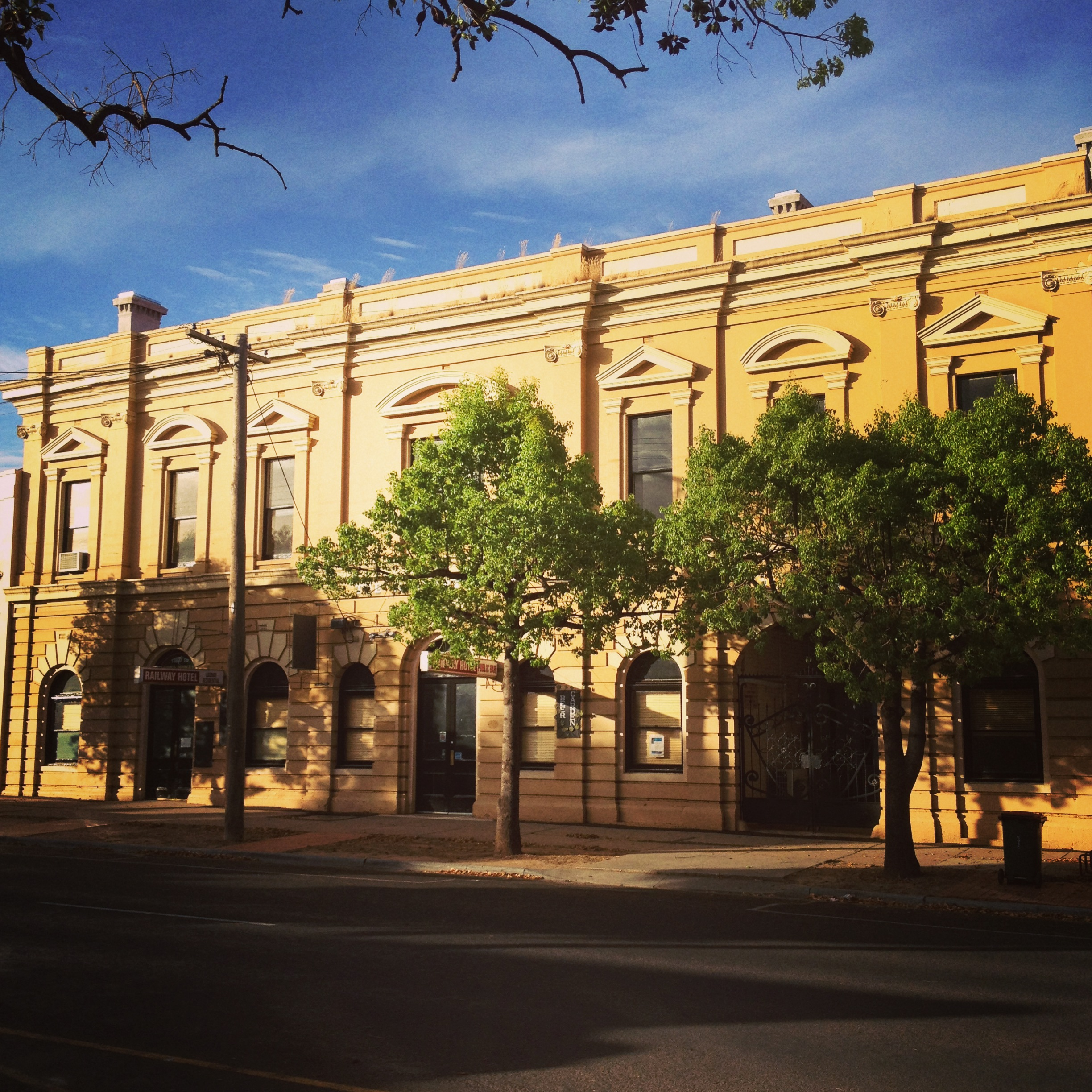 Railway Hotel Dunolly - Tourism Canberra