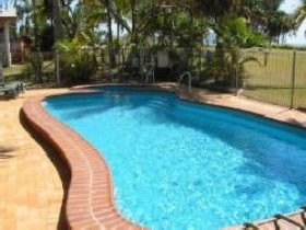 Kinka Palms Beach Front Apartments/Motel