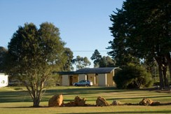 William Macintosh Motor Lodge - Tourism Canberra
