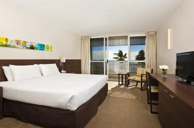 Mercure Hotel Harbourside Cairns - Tourism Canberra