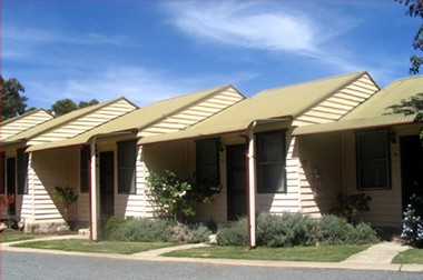 The Village Cabins - Tourism Canberra