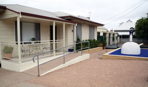 Executive Holiday Rental - Tourism Canberra