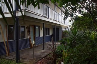 Moffat Beach Pet Friendly Holiday House