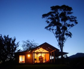 Promised Land Cottages - Tourism Canberra