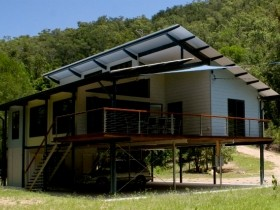 Creek Valley Rainforest Retreat - Tourism Canberra