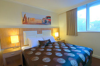 Park Squire Motor Inn and Serviced Apartments - Tourism Canberra