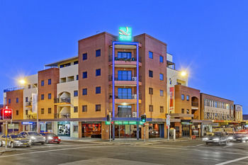 Quality Suites Boulevard On Beaumont - Tourism Canberra