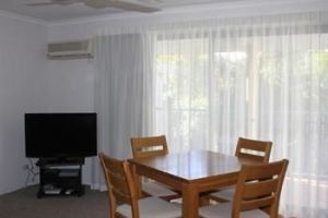 Chez Noosa Resort Motel - Tourism Canberra
