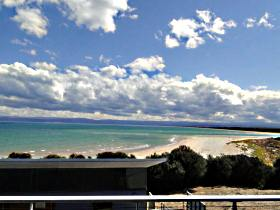 Freycinet Beach Apartments - Tourism Canberra