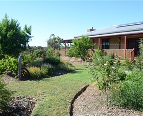 Mureybet Relaxed Country Accommodation - Tourism Canberra