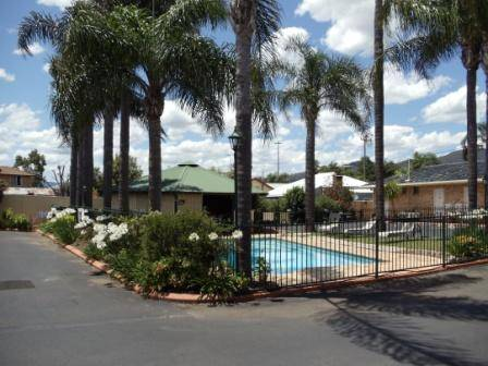Town  Country Motor Inn Tamworth - Tourism Canberra