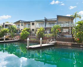Bay View Luxury Waterfront Villa - Tourism Canberra