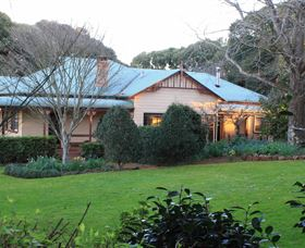 MossGrove Bed and Breakfast - Tourism Canberra