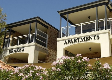 Drakes Apartments with Cars - Tourism Canberra