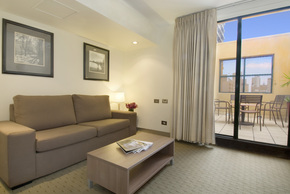 Crossley Hotel - Tourism Canberra