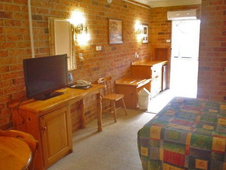 Coachmans Rest Motor Lodge - Tourism Canberra