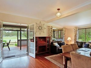 Woollamia Farm Cottage Accommodation