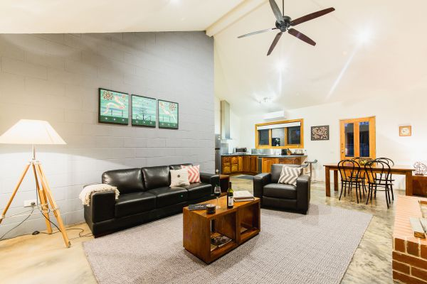 Alpine Edge Accommodation - Tourism Canberra
