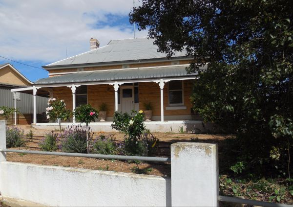 Book Keepers Cottage Waikerie - Tourism Canberra
