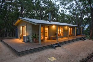 Mirkwood Forest Self-Contained Spa Cottages - Tourism Canberra