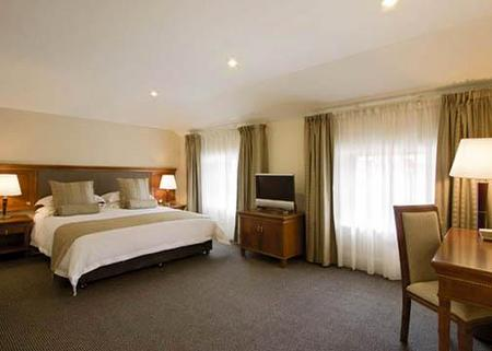 Clarion Hotel City Park Grand - Tourism Canberra